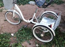 دراجة هوائية مستعملة بي 3 عجلات
