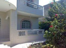 بيت ڤيلا بناء وتشطيب بجودة خليجية ومجهز بالكامل مطل على 3 شوارع