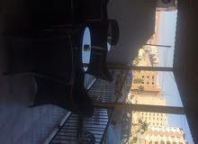 محلين مع ترس بالديكورات للبيع الزرقاء الجديدة - شارع الكرامة بجانب فندق الجوابرة