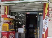 مطعم حمص وفلافل وسناكات بكامل تجهيزاته للبيع قريب من مدارس