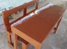 طاوله وكرسي من خشب صنوبر