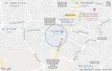 فيلا مميزة جداُ للبيع عبارة عن 3 طوابق تصلح لسفارة أو بنك/ عبدون 11