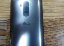 نقال LG4  شغال والسعر 100وبيه مجال للطيبين