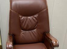 كرسي مكتبي ضخم