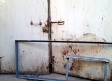 باب حديد مستعمل للبيع