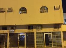 عمارة بحي العريجاء شارع الوليد بن عبدالملك (شارع الستين)