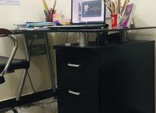 مكتب اسود +كرسي دوار للبيع