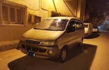 سيارة فان H1 2004