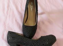 حذاء سواريه مقاس 41
