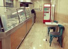 مطعم شعبي للبيع مع كامل التجهيزات في شارع القدس في مكان حيوي