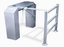 بوابات مفصلية لدخول الافراد بالكارت والبصمة(مترو-دوارة)