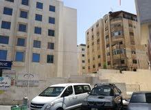 شقة بموقع مميز جدا بالقرب من الجامعة الاردنية ومستشفى الاسراء
