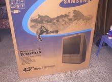 تلفزيون سامسونك 43 عقدة مربع حجم مع الميز