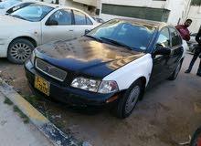 فولفو تاكسي 2004  للبيع