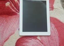 Ipad 4 32GB  مستعمل نظيف مع حامي شاشة و كفر وكبل شحن