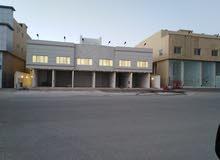 عمارة للأيجار في شمال الرياض بحي العارض على شارع الستين