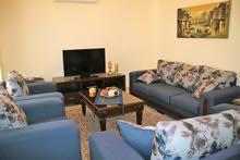 شقة مفروشة فرش فاخر - 3 نوم - خلدة stylish 3 bedrooms apartment in Khalda