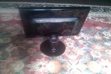 شاشة كمبيوتر نوع LG استعمال نظيف