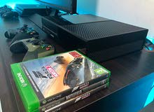 Xbox one two controllers and games
