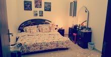 غرفة نوم (سرير كينق، دولاب،تسريحة،و أدراج،والمرتبة )