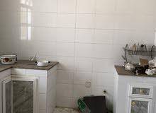 شقة غرفتين وصاله وحمامين ومطبخ وبلكونه الخوير33