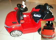 سيارة مع جهاز تحكم