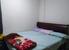 سرير مقاس 180 سم مستعمل + سرير أطفال 100 سم