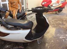 دراجه فراشه للبيع محرك ما مفتوح تمشي 140 جاهزه من كلشي بس باتري فقط  350