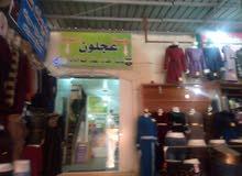 سوق تجاري في وسط عجلون للبييع