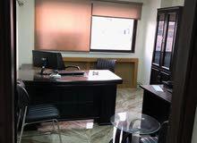 مكتب مؤثث حديث للأيجار