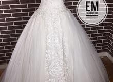 فستان زفاف جديد للبيع بسعر الايجار