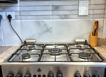 Cooking range for sale with underneath oven.