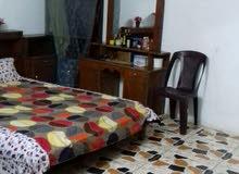 غرفه نوم للبيع بسعر مناسب 300 الف