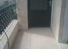 شقة فارغة للايجار الجاردنز 270دينار 150م