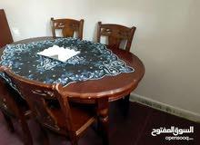 طاولة للبيع كما في الصور
