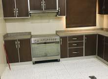 شقة راقية  وواسعة للايجار في قلالي غرفة وصالة 200 شامل الكهرباء والماء بدون حد استهلاك