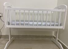 للبيع سرير اطفال بحالة ممتازة
