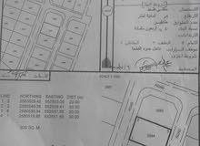 للبيع ارض سكنية في الحاجر الاولى على شارعين من الامام و الخلف