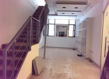 مكتب يصلح محل طابقين مساحة 110م