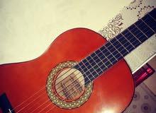 guitar classique . للبيع