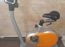دراجه ثابته رياضيه لممارسة الرياضه يوجد بيها 10 سرعات شبه جديده