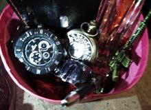 بكج كامل يحتوي ساعة يد و محفظه و قلم و عطر و ميداليا و إسواره لحق حالك قبل نفاذ