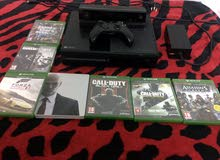 Xbox one مع سبع اشرطة وكاميرا بحالة جيدة جدا مع حساب يوجد به فيفا 19
