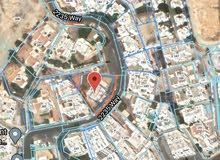 ارض سكنية كبيرة وموقع راقي وجميل في القرم للبيع