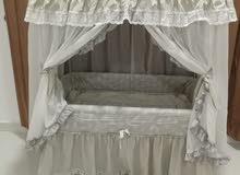 سرير أطفال للبيع... مدة الاستخدام : فتره محدوده حالة السلعه : جديد ونظيف قيمة ال