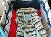 سرير junior للأطفال بطابقين قابل للطي وبه غطاء