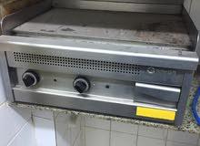 قرل 70 * 70 كهربائي صناعه تركي مستعمل استعمال بسيط جدا كمي موضح ف الصوره