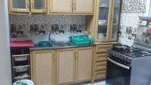 للبيع 3مكيفات حاله ممتازه ومجلسين ومطبخ ومكنسه كهرباء