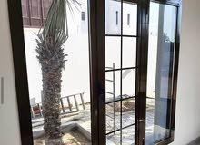 ابواب ونوافذ  upvc  والومنيوم وhdf و خشب ( داخلي وخارجي ) وجهات فيلل زجاجيه