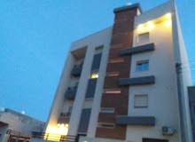 عمارة تتكون من 4 طوابق للبيع..، في طريق الشط،،،